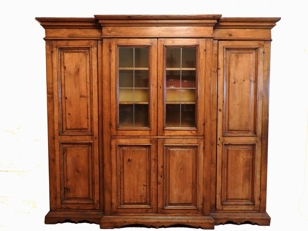 Credenza Antica Moderna : Credenza in legno tenero a tre corpi asta 137 parte iv la