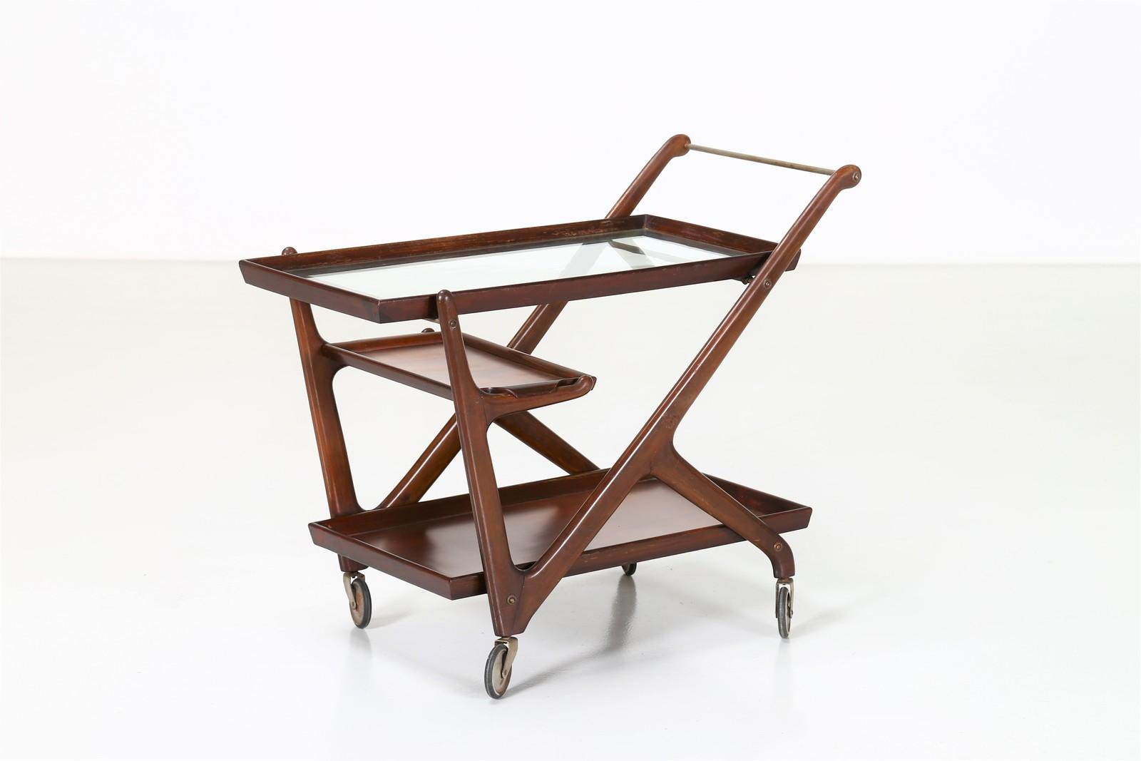 Cesare lacca : carrello portavivande in legno e dettagli in ottone