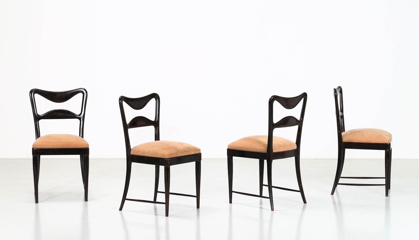 Sedie In Legno Anni 50.Osvaldo Borsani Quattro Sedie In Legno E Tessuto Anni 50 Asta