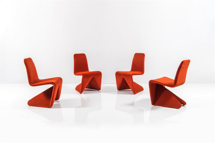 PRODUZIONE ITALIANA : Quattro sedie con struttura in legno ...
