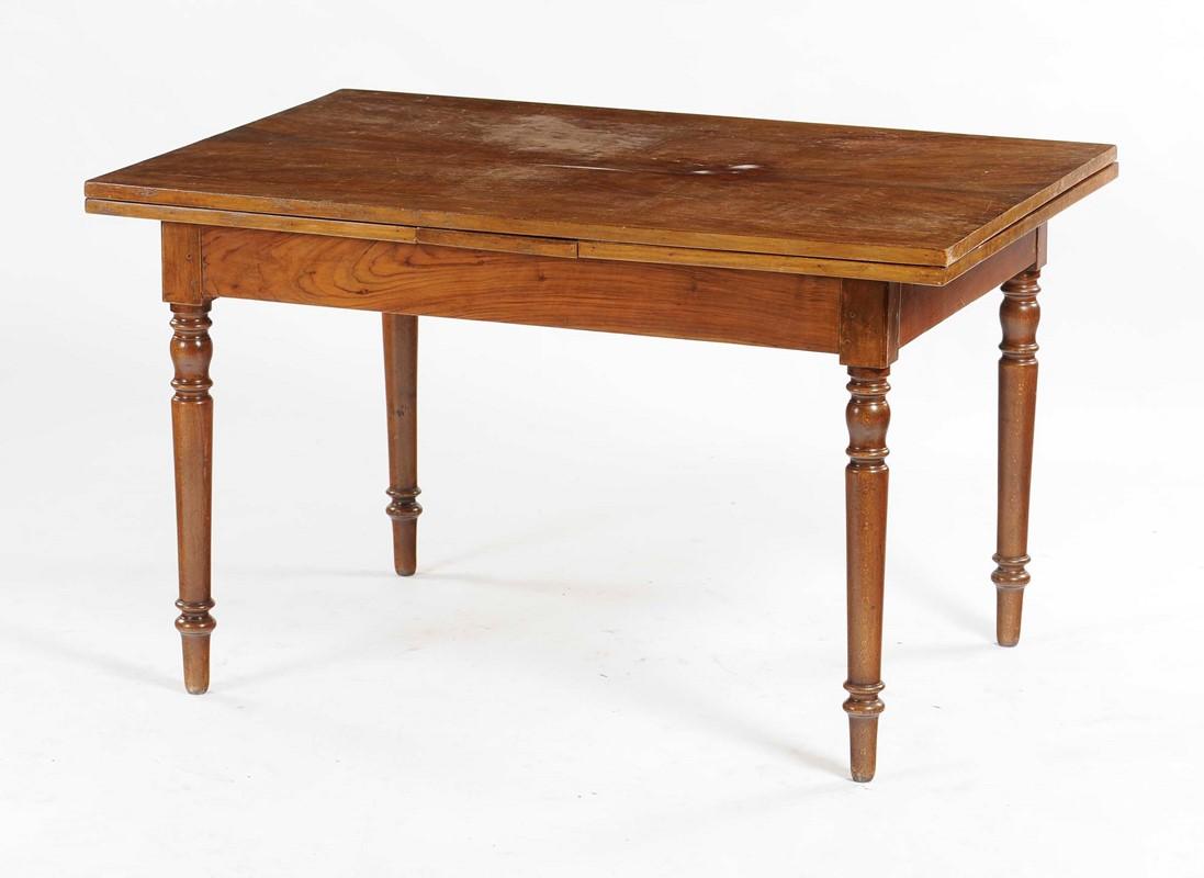 Tavolo da pranzo in legno di noce, XIX secolo - Asta ...